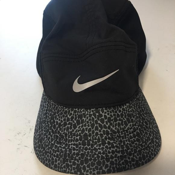 b19a0ce1613 Women s Nike hat. M 5bba40b834a4ef784b90d21f. Other Accessories ...